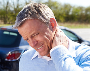 man with neck pain after an auto accident