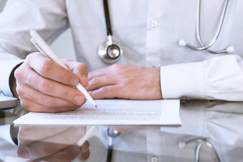 [cml_media_alt id='3168']Doctor making notes about symptoms related to occupational diseases[/cml_media_alt]